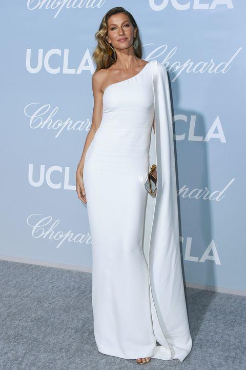 2019 hollywood for science gala   arrivals、ジゼル・ブンチェン、ホワイトドレス