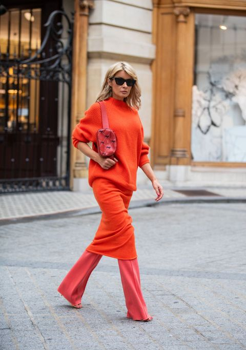 Street Style : Paris Fashion Week - Womenswear Spring Summer 2020 : Day Two