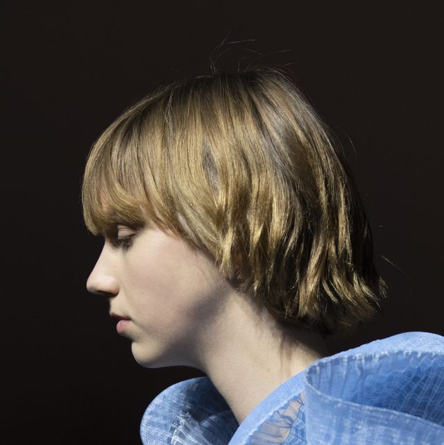 Hair, Face, Hairstyle, Blond, Blue, Bob cut, Beauty, Chin, Shoulder, Neck,