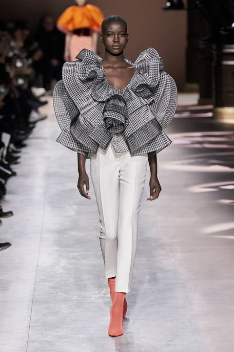 Fashion, Fashion model, Runway, Fashion show, White, Clothing, Shoulder, Haute couture, Fashion design, Spring,