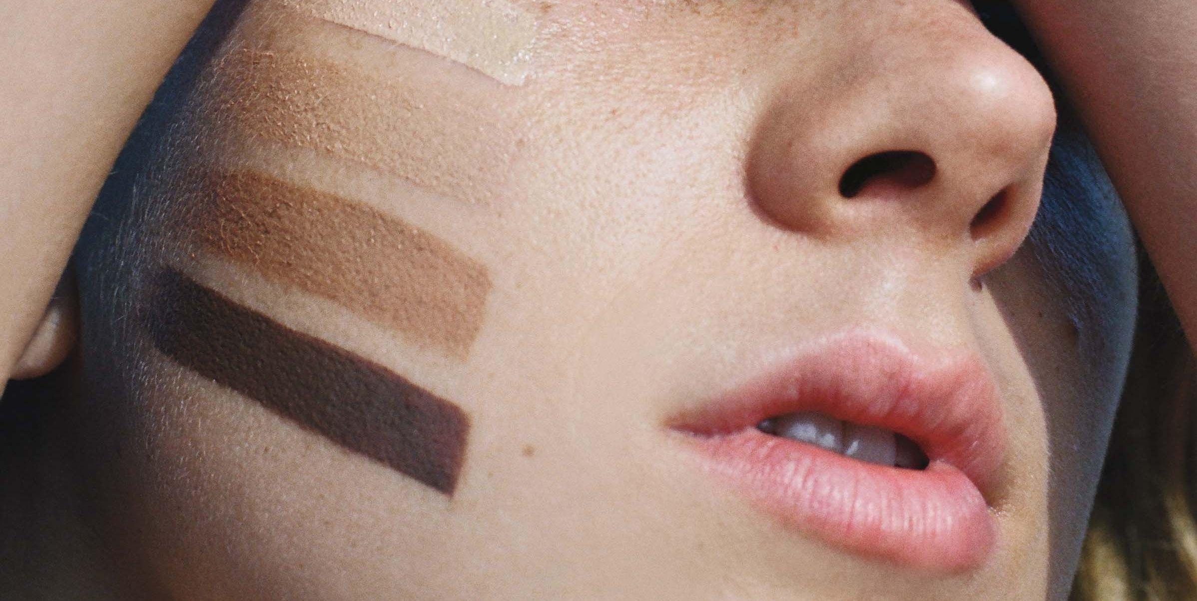 zonnebrand-make-up-foundation-vrouw