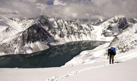 Mountainous landforms, Mountain, Snow, White, Mountain range, Glacial landform, Winter, Geological phenomenon, Sky, Ridge,