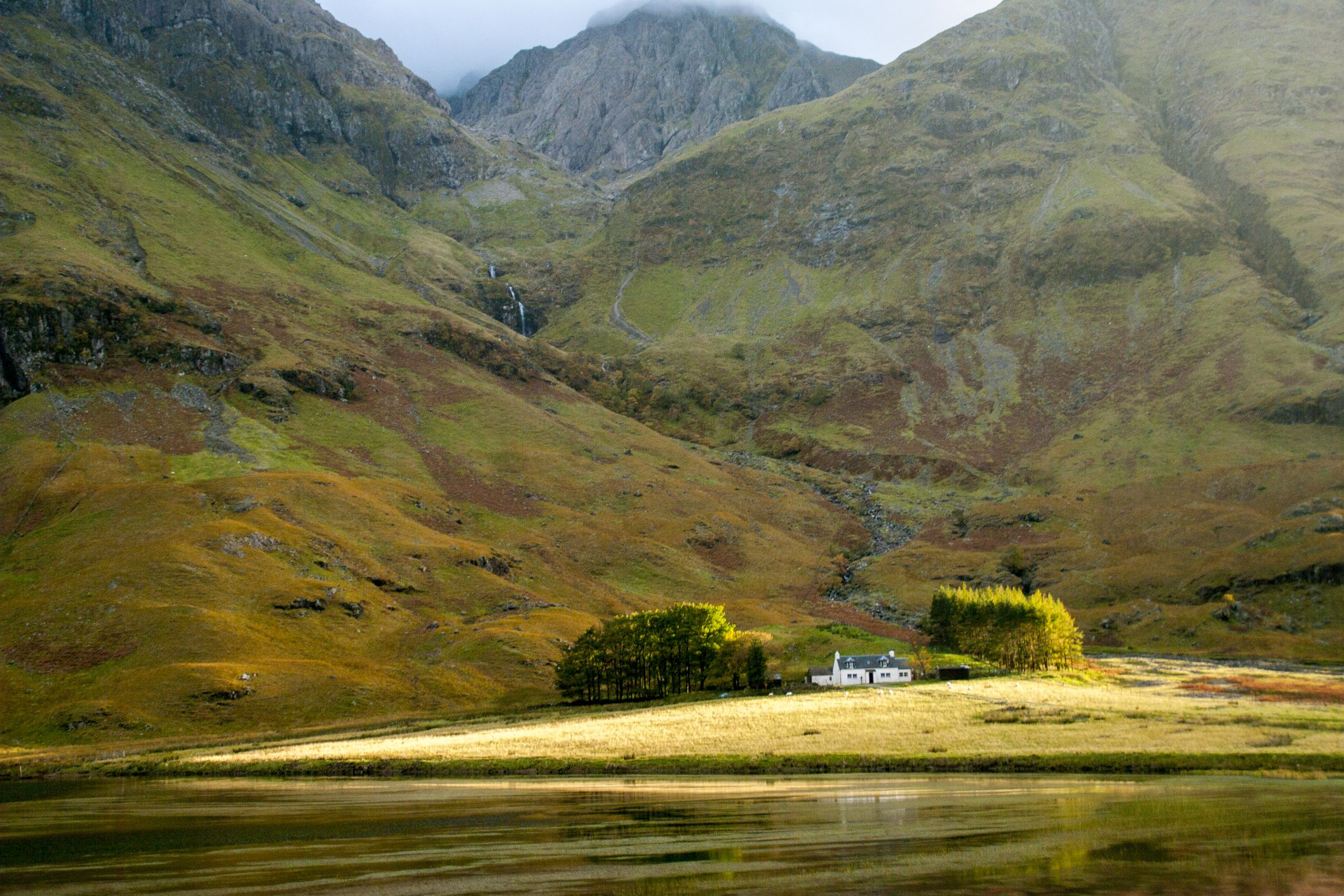 Drive through the best of Britain's countryside on a scenic tour of Scotland