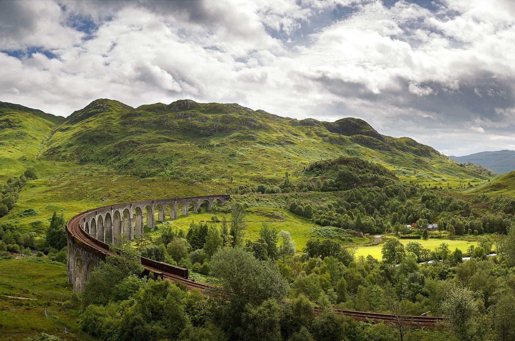 Steam train rides:Glenfinnan Viaduct