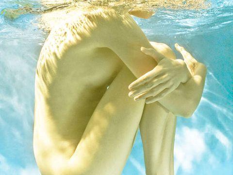 Arm, Shoulder, Joint, Sky, Hand, Summer, Leg, Muscle, Long hair, Photography,