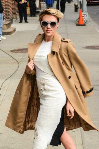 Clothing, Eyewear, Glasses, Vision care, Sleeve, Trousers, Sunglasses, Coat, Bag, Textile,