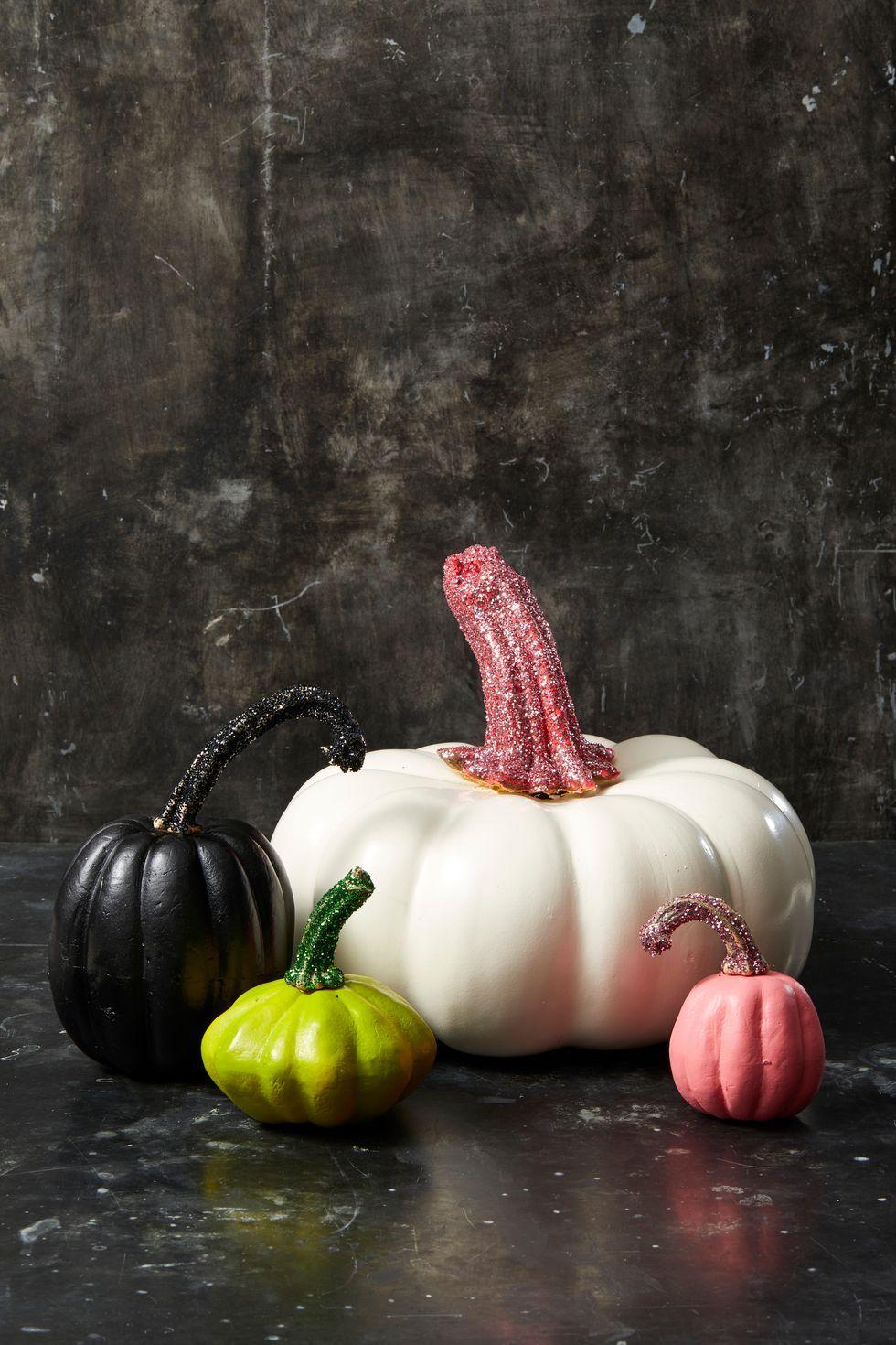 15 Glitter Pumpkin Ideas for the Chicest Halloween Ever
