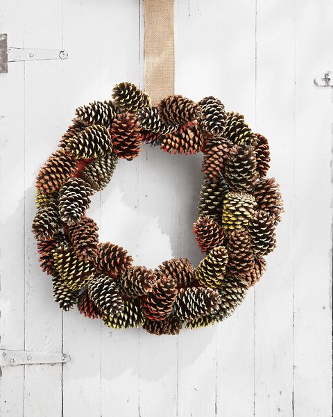 painted tip pine cone wreath