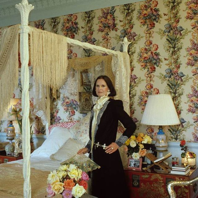 Candid Photos Of Gloria Vanderbilt At Home