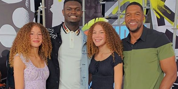 Gma Star Michael Strahan Posts A Rare Instagram Of His Kids And Strahan And Sara Fans Are