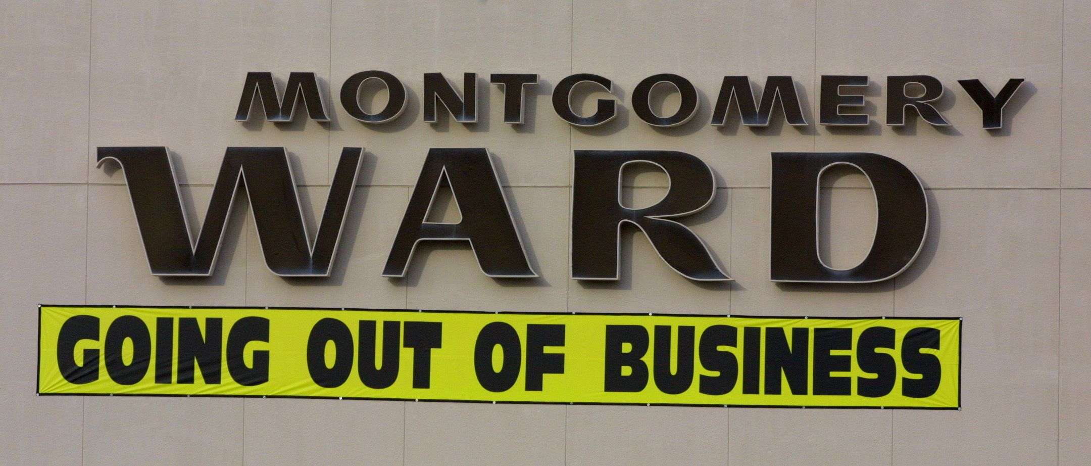 Iconic Stores You Grew Up With That Are No Longer Around