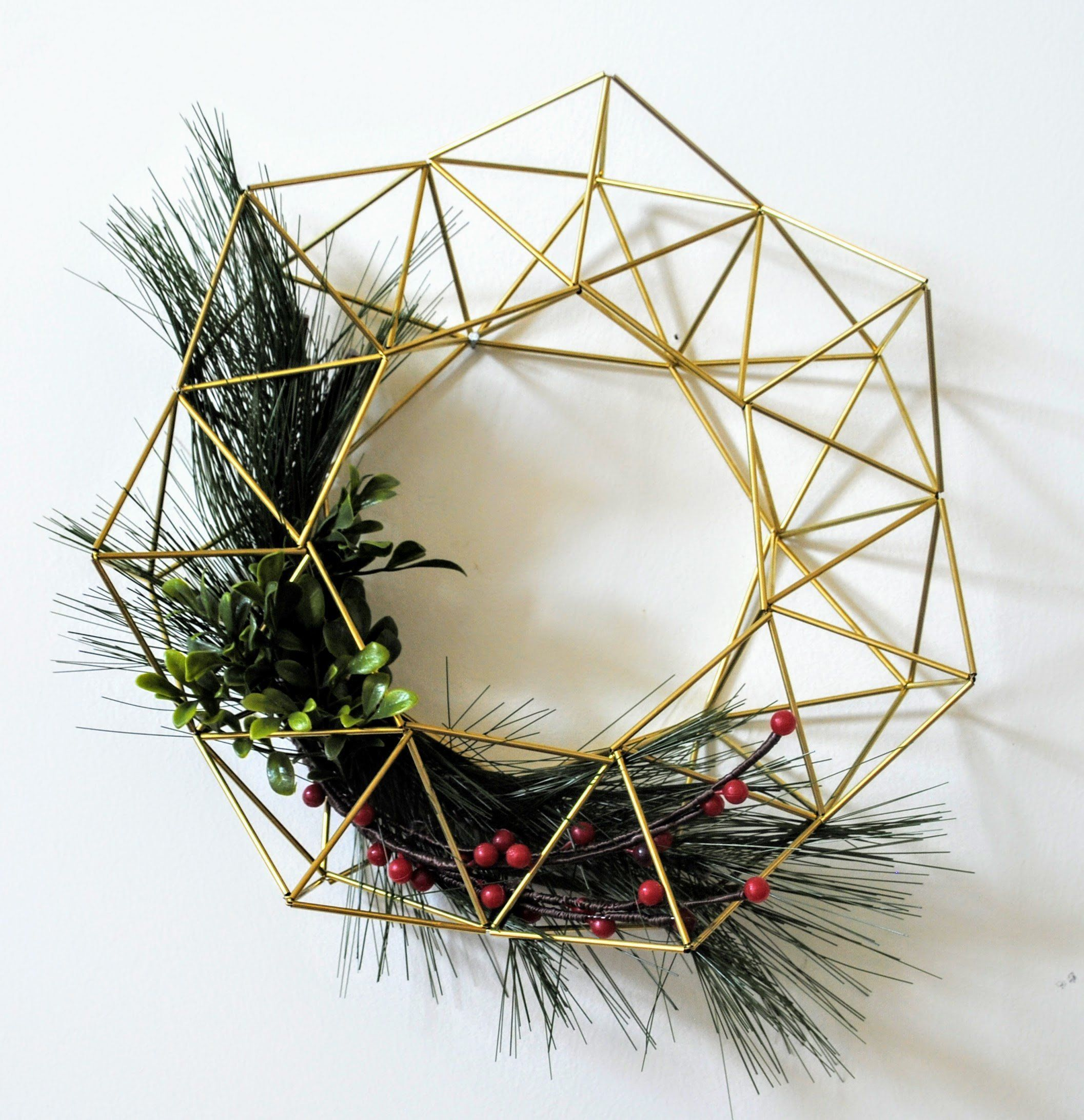 40 Christmas Wreaths You'll Actually Want To Deck The Halls With