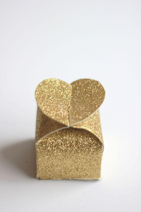 glitter heart box valentines day crafts