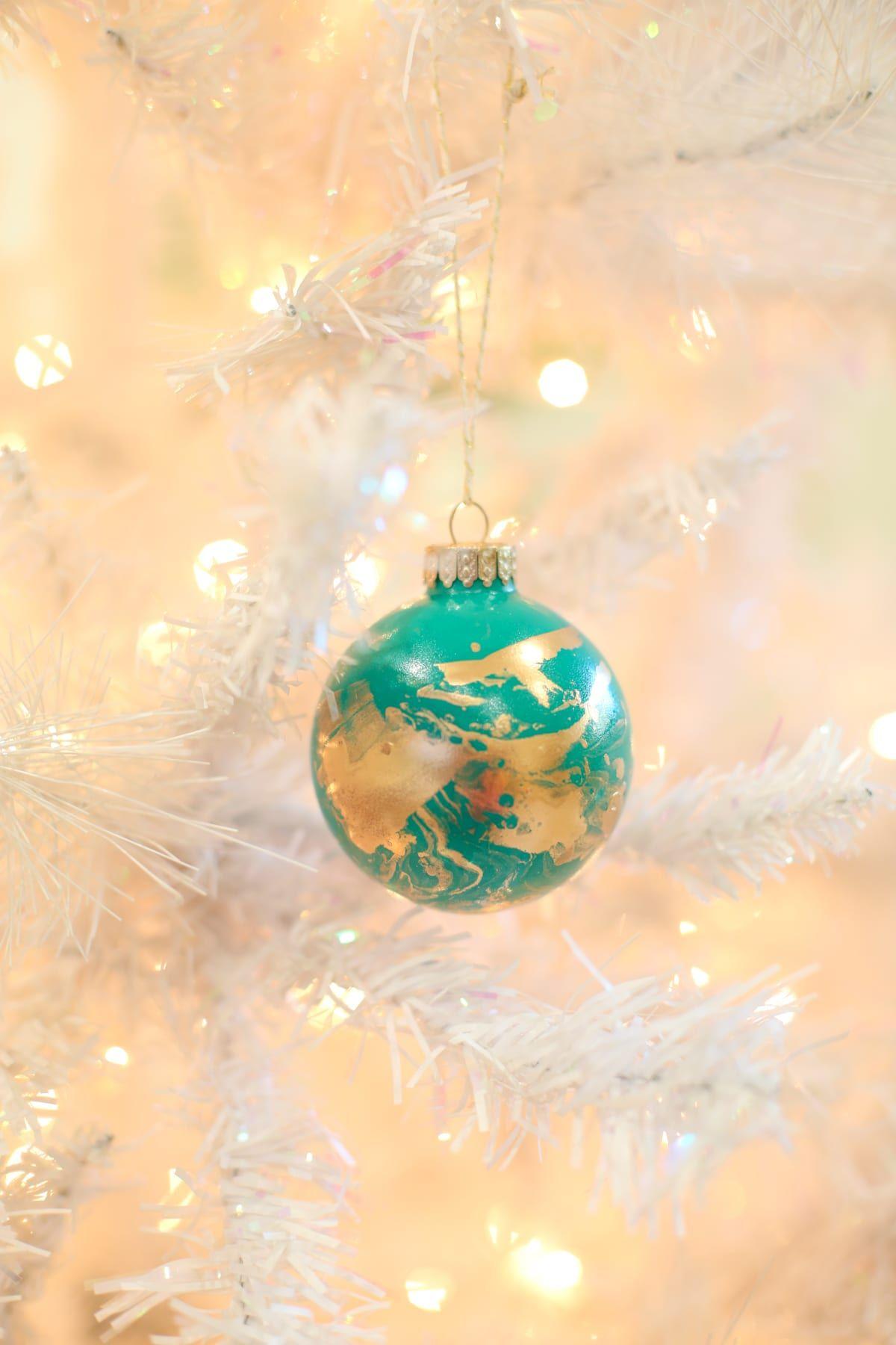 40 Diy Christmas Ornament Ideas Best Homemade Christmas Tree Ornaments