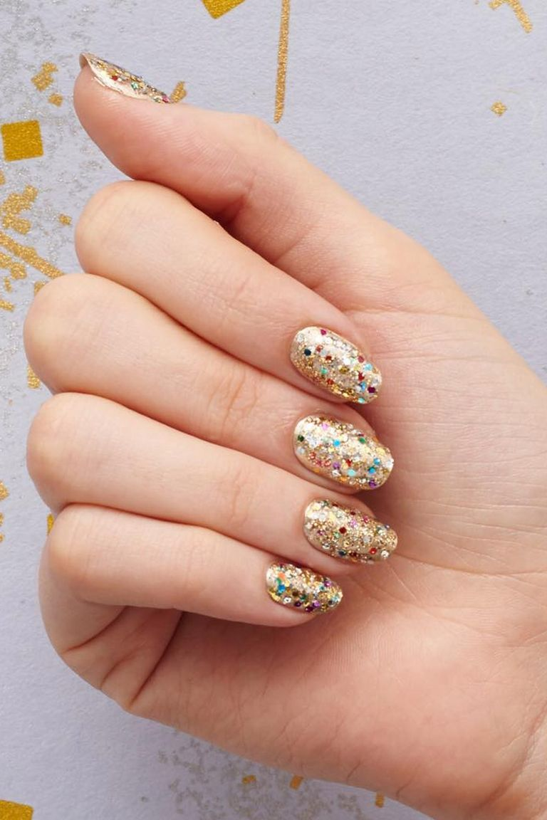 Instagram: @paintboxnails - 9 Best Gold Nail Polishes 2018 - Metallic Gold Nail Art Design Ideas