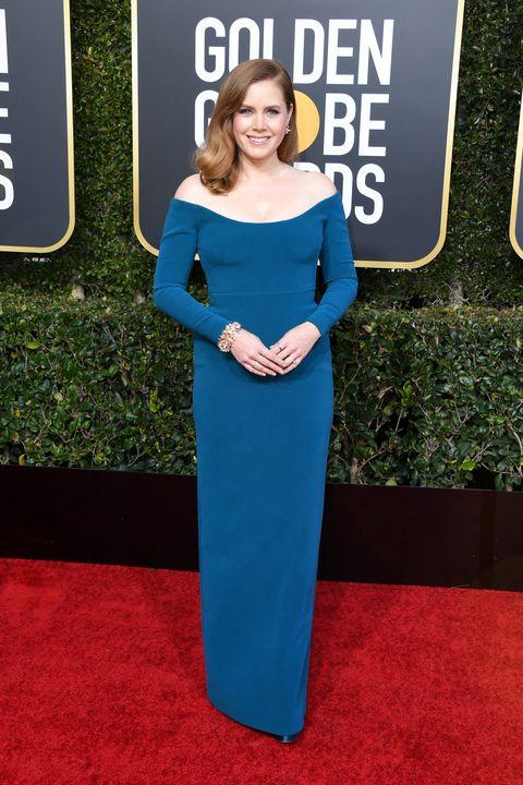 Il red carpet dei Golden Globe Awards 2019 non ha deluso le aspettative, vestiti eleganti lunghi delle star di sono incendiati di rosso, oro, bianco e verde smeraldo, ecco le stelle di cinema e serie tv.