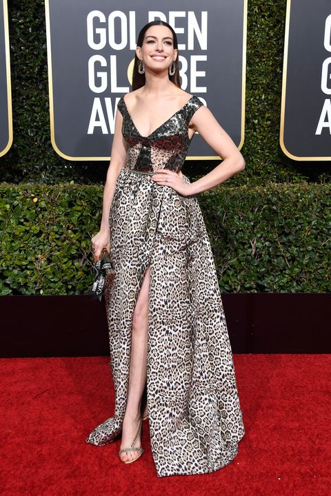 Anne Hathaway turut hadir di Golden Globe Awards 2019 (dok. Cosmopolitan)