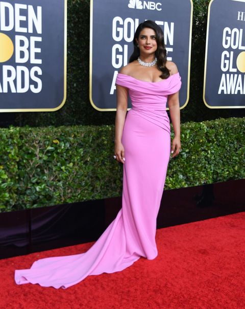 Red carpet, Dress, Clothing, Shoulder, Carpet, Gown, Flooring, Pink, Fashion, Premiere,
