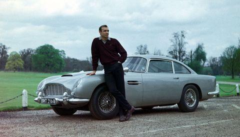 james bond, film james bond, james bond film, saga james bond, film 007, oo7 saga film, sean connery james bond, sean connery 007, automobili james bond, auto james bond, macchine james bond, macchine più belle 007, mercedes auto, ferrari auto, aston martin auto, aston martin prezzo, bmw auto, bmw prezzo, goldfinger film, 007 film più belli, 007 libro, james bond libro
