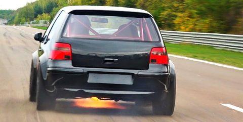 Land vehicle, Vehicle, Car, City car, Hatchback, Volkswagen, Automotive design, Automotive exterior, Subcompact car, Trunk,