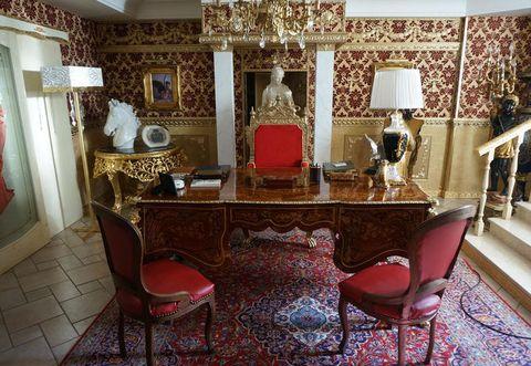 Room, Interior design, Lighting, Floor, Flooring, Table, Furniture, Drawer, Interior design, Ceiling,