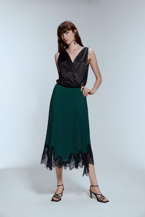 design senza tempo 59f4d cd3e8 Gonna autunno 2019, quella plissettata di Zara è moda elegante