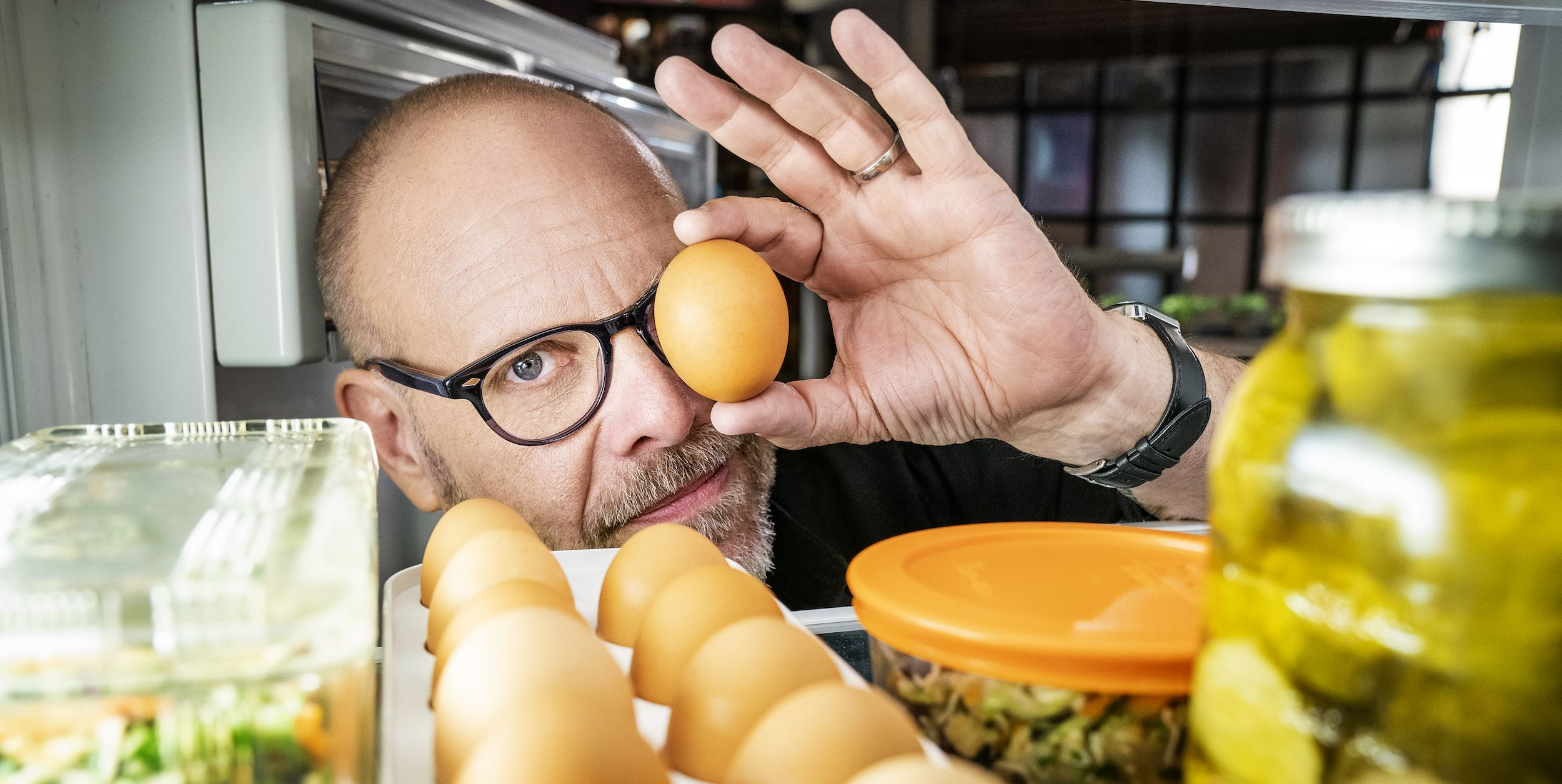 """Alton Brown Teases Food Network Star Guest Appearances On """"Good Eats: The Return"""""""