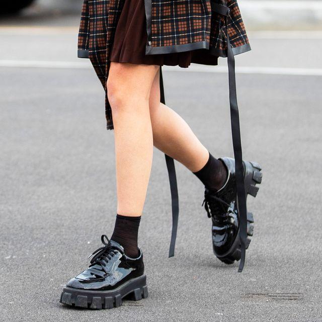 Plaid, Clothing, Street fashion, Fashion, Footwear, Tartan, Fur, Ankle, Pattern, Waist,
