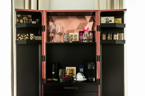 Shelf, Shelving, Furniture, Room, Bookcase, Hutch, Cupboard, Cabinetry, Material property, Display case,