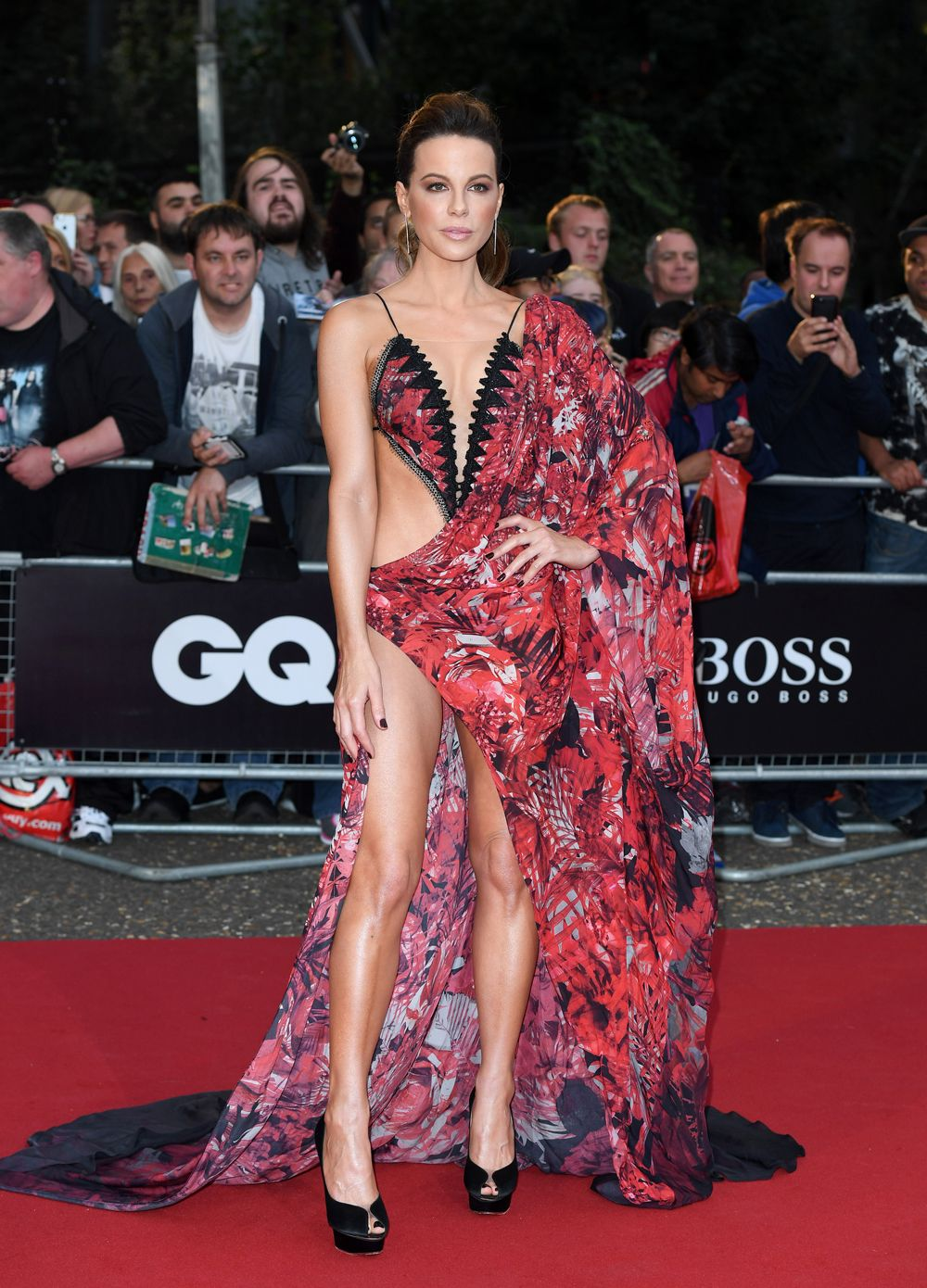 4e6d7c151ea21d The most outrageously near-naked celebrity outfits ever
