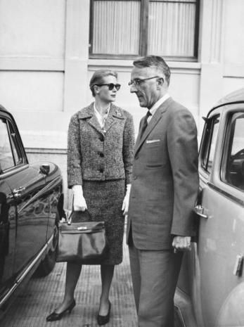 l'eleganza di grace kelly in tailleur guanti e kelly hermes
