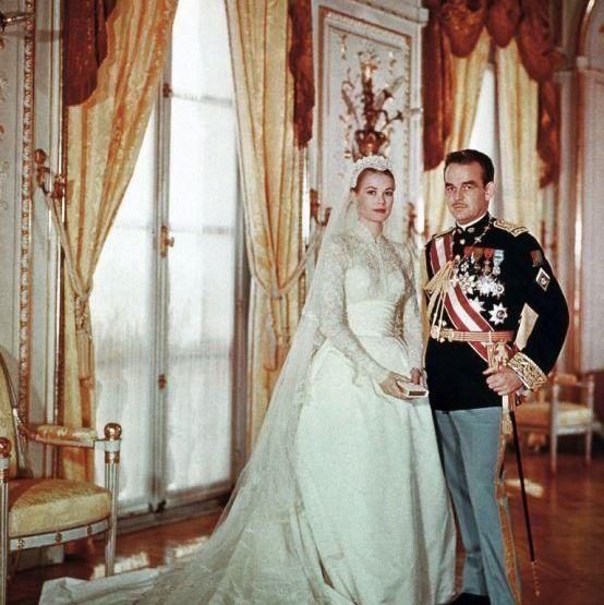 グレース・ケリーとモナコのレーニエ大公の結婚式時の写真