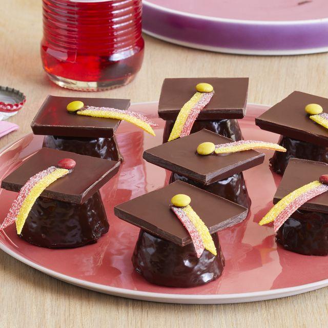 graduation brownie bites
