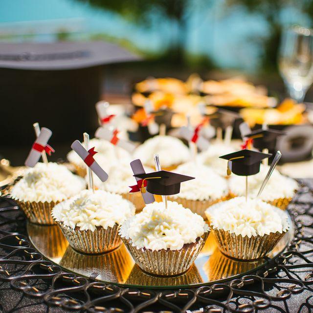 15 Best Graduation Party Ideas - DIY