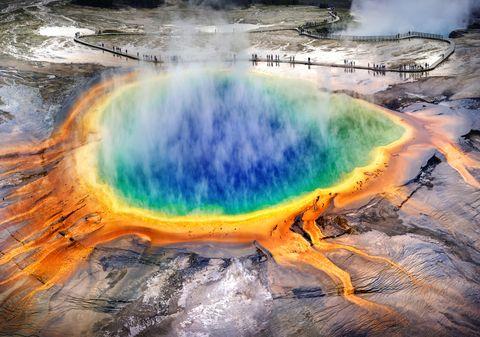 large prismatic spring, intermediate geyser, Yellowstone