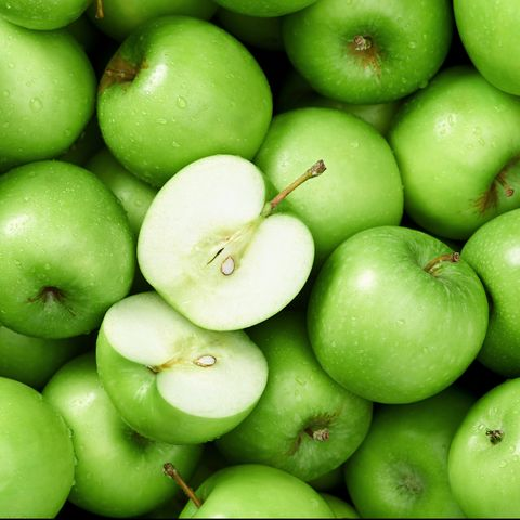 Apples Contain Over 100 Million Bacteria. Here's Why That's a Good Thing