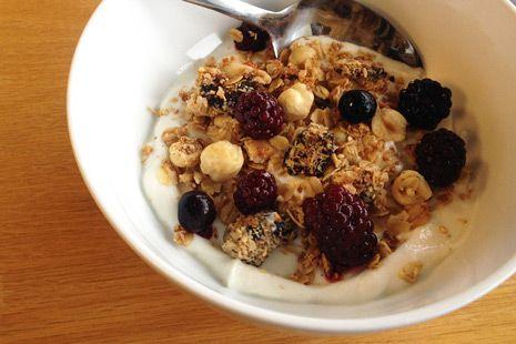 Make Granola with Quinoa and Cardamom