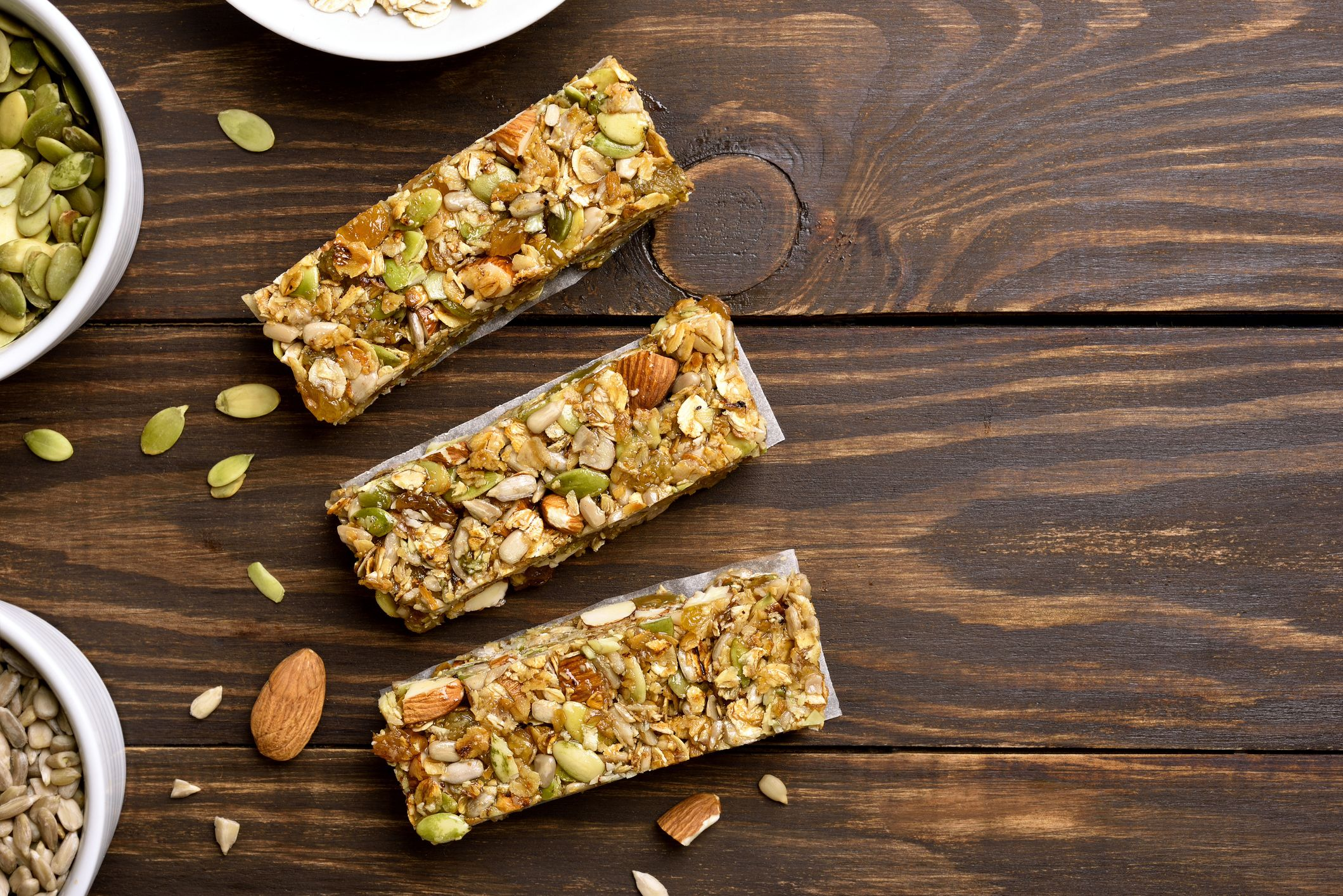 The 20 Best Low-Carb Protein Bars, According To Nutritionists