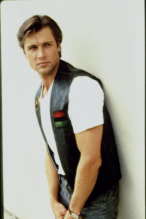 El actor Grant Show, de Melrose Place, posa en una imagen de la década de 1990.