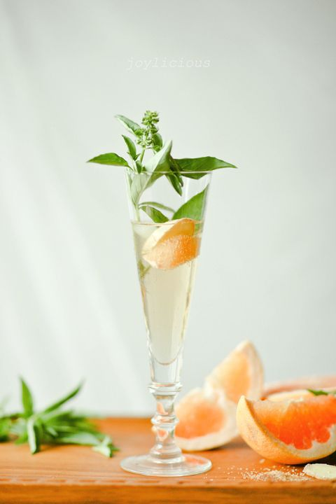 non alcoholic christmas drinks ginger basil grapefruit spritzer