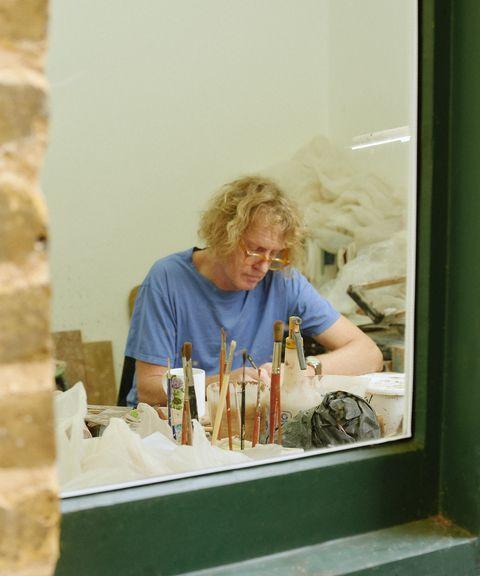 Grayson Perry au travail dans son studio du nord de Londres, octobre 2020