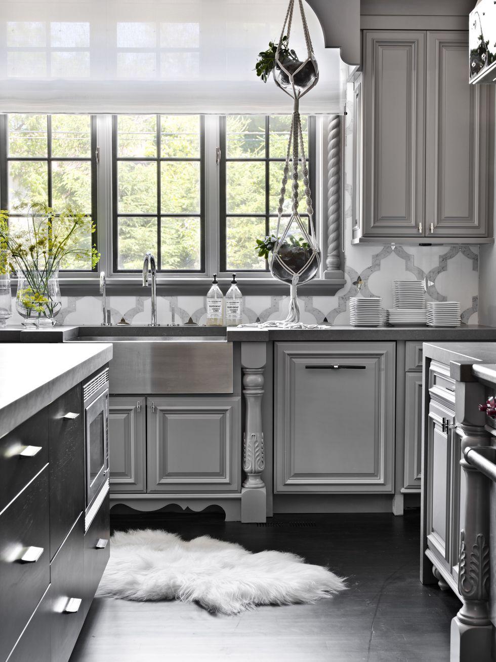 14 best grey kitchen cabinets design ideas with grey cabinets rh elledecor com grey cabinets kitchen backsplash grey cabinet kitchen images