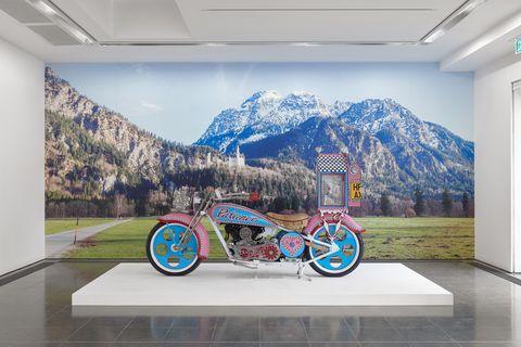 il a nommé la moto bien-voyagée kenilworth am1 harley davidson knucklehead de grayson perry