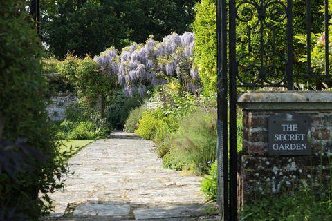 secret gardens around the world