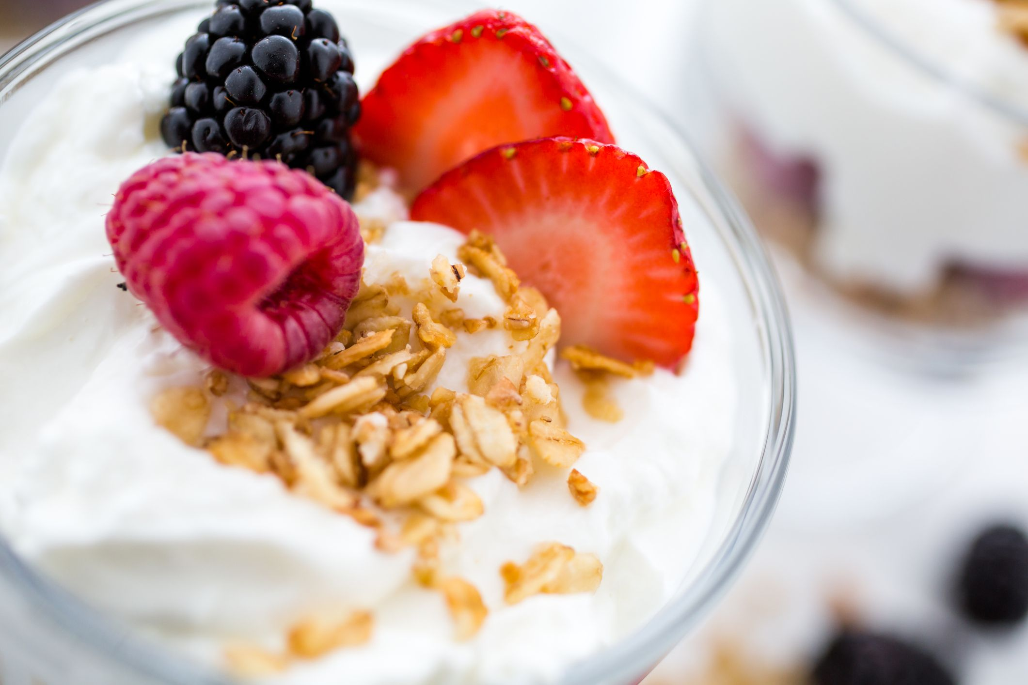 Whats Healthier: Greek Yogurt Or Low Fat Yogurt