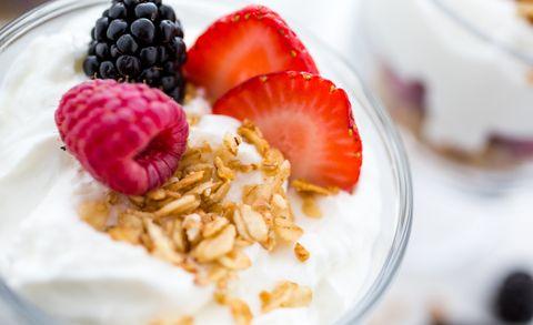 greek yogurt with berries whats healthier greek yogurt or low fat yogurt