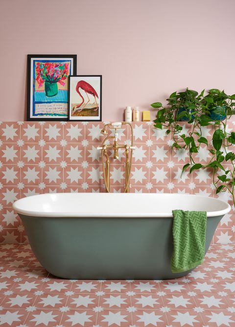 omnia bath, bc designs, bathroom with green bathtub and pink and white star tiles