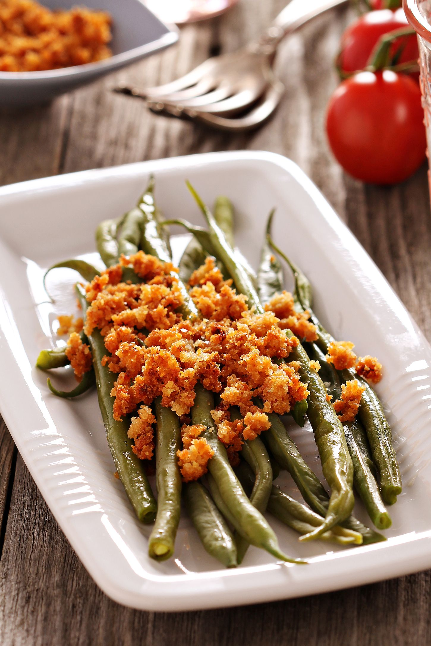french green beans with garlicky almond breadcrumbs