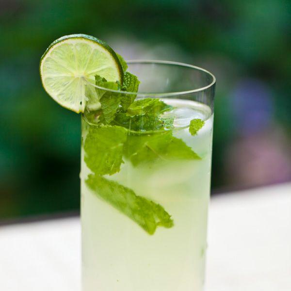 20 best green drinks green cocktail recipes. Black Bedroom Furniture Sets. Home Design Ideas