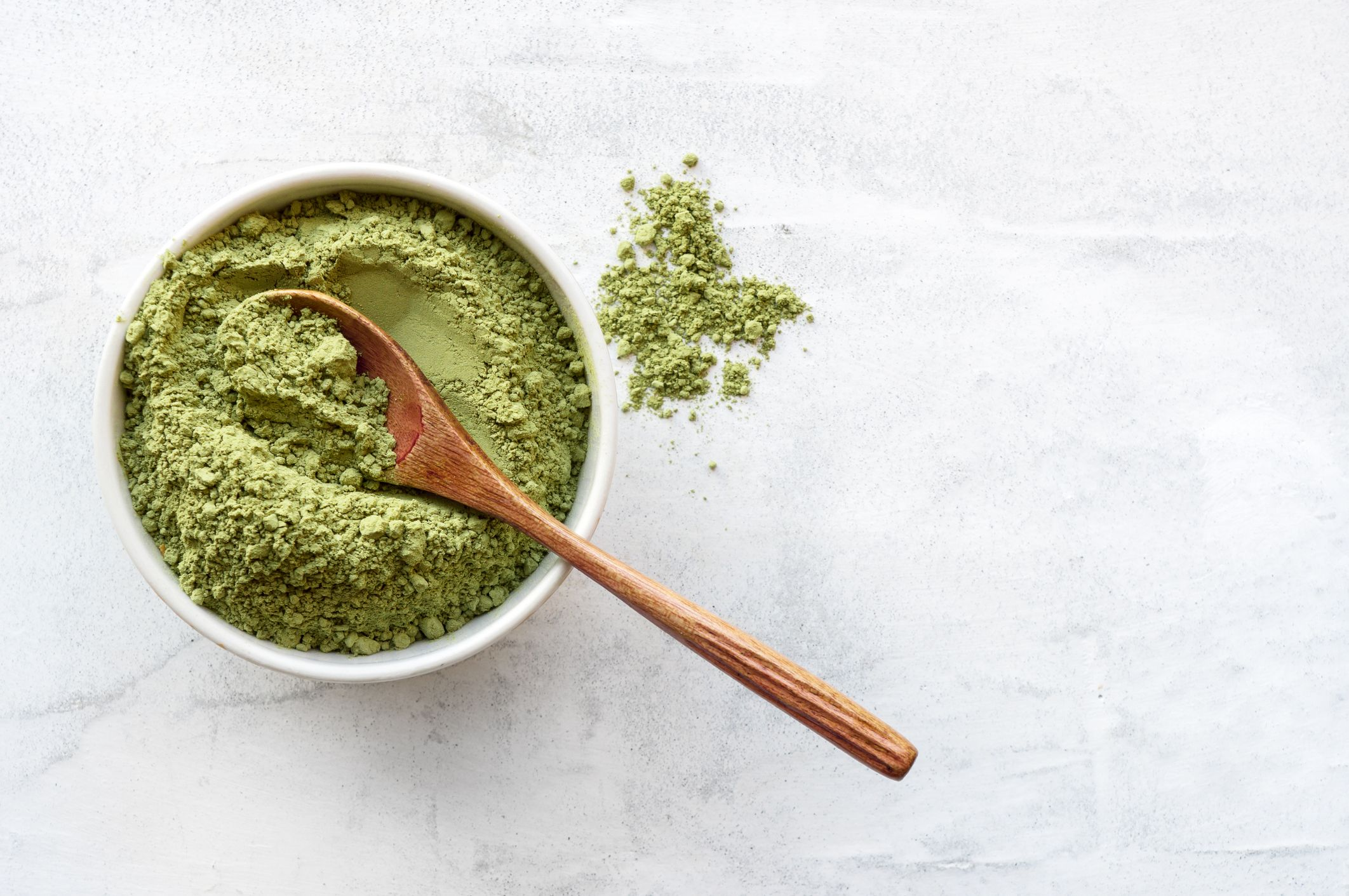 What You Should Know About Greens Powders, According To Nutritionists